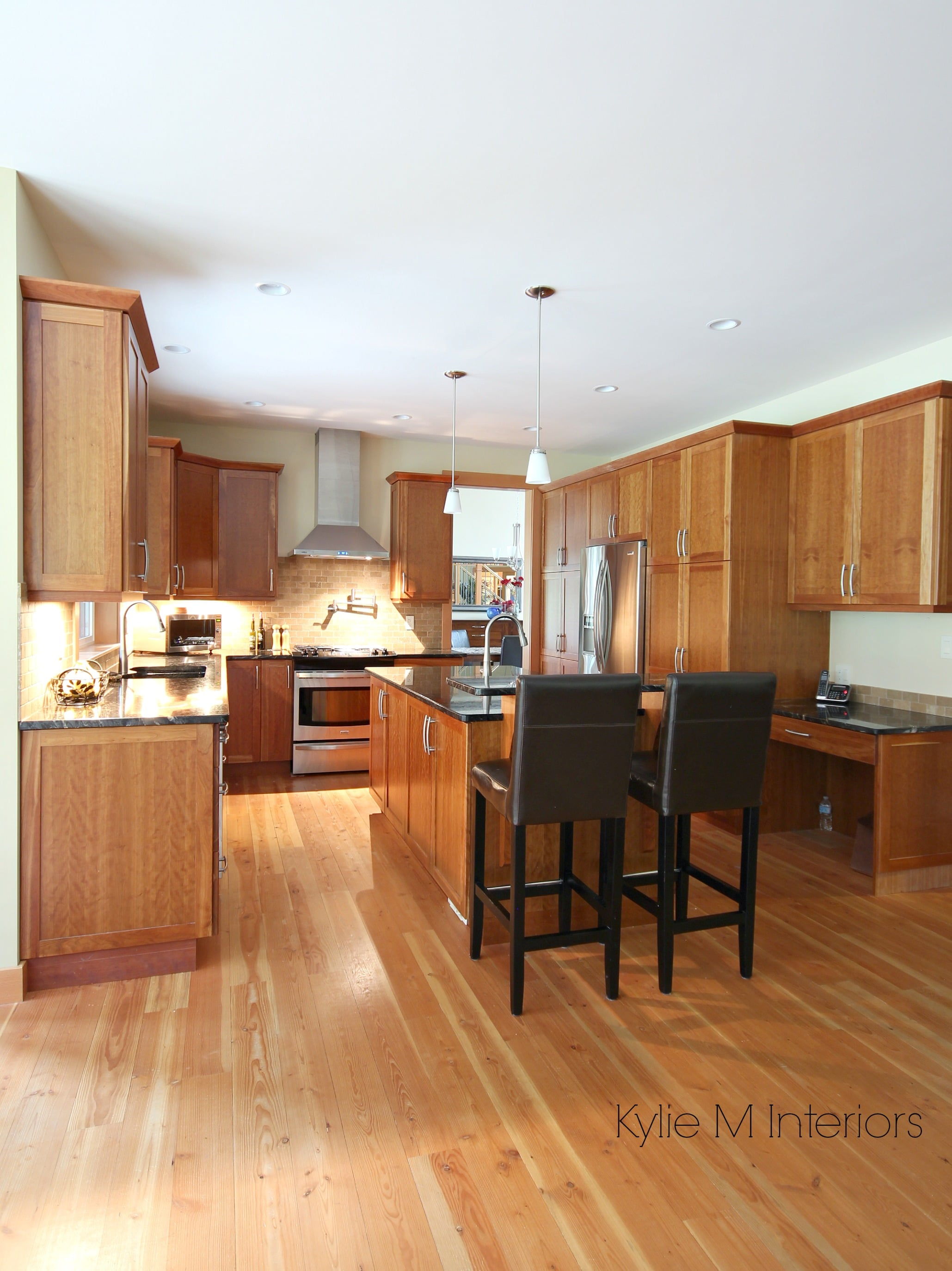 Kitchen with island, natural cherry cabinet, fir wood ...