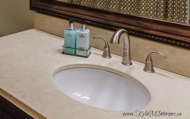 Ideas to update a bathroom with almond or bone fixtures including tub, toilet and sink