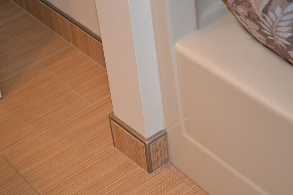 Close up of floor to almond tub - Decorating with almond bathroom fixtures ...