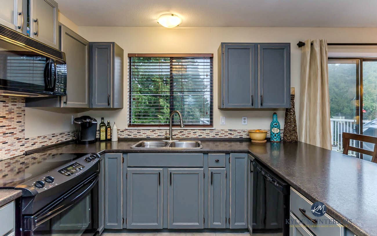 Oak kitchen cabinets updated with Benjamin Moore Chelsea Gray ...