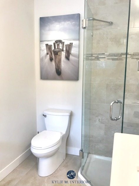 Benjamin Moore Ballet White in a bathroom. Great slightly warmer greige, cream neutral paint colour. Kylie M INteriors Online Colour Consulting