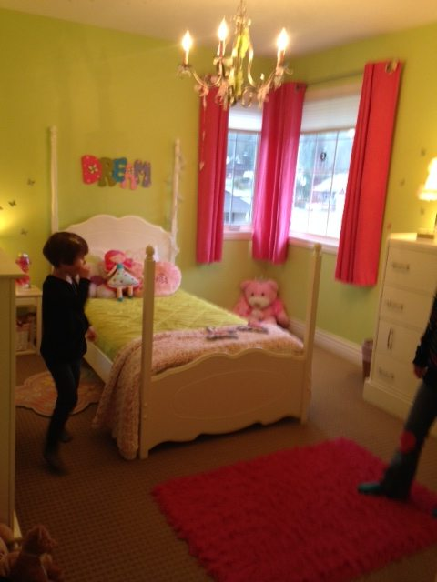 girls bedroom before