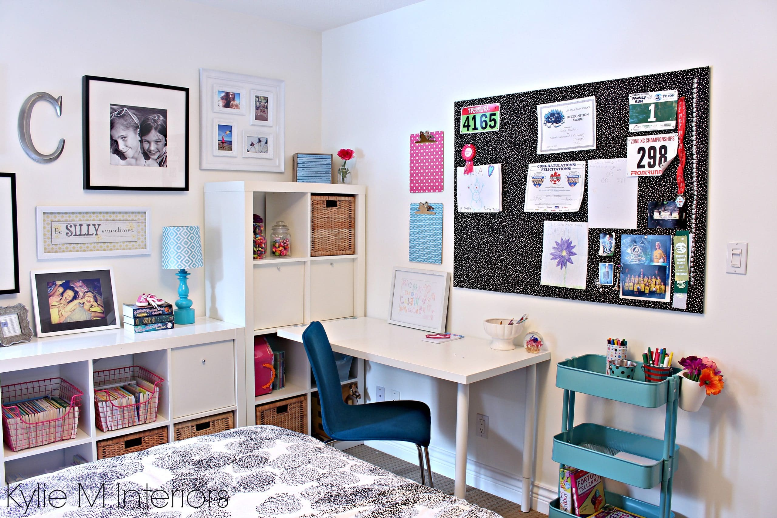 Teen teen girl decorating ikea kallax desk trofast for Ikea teenage bedroom ideas