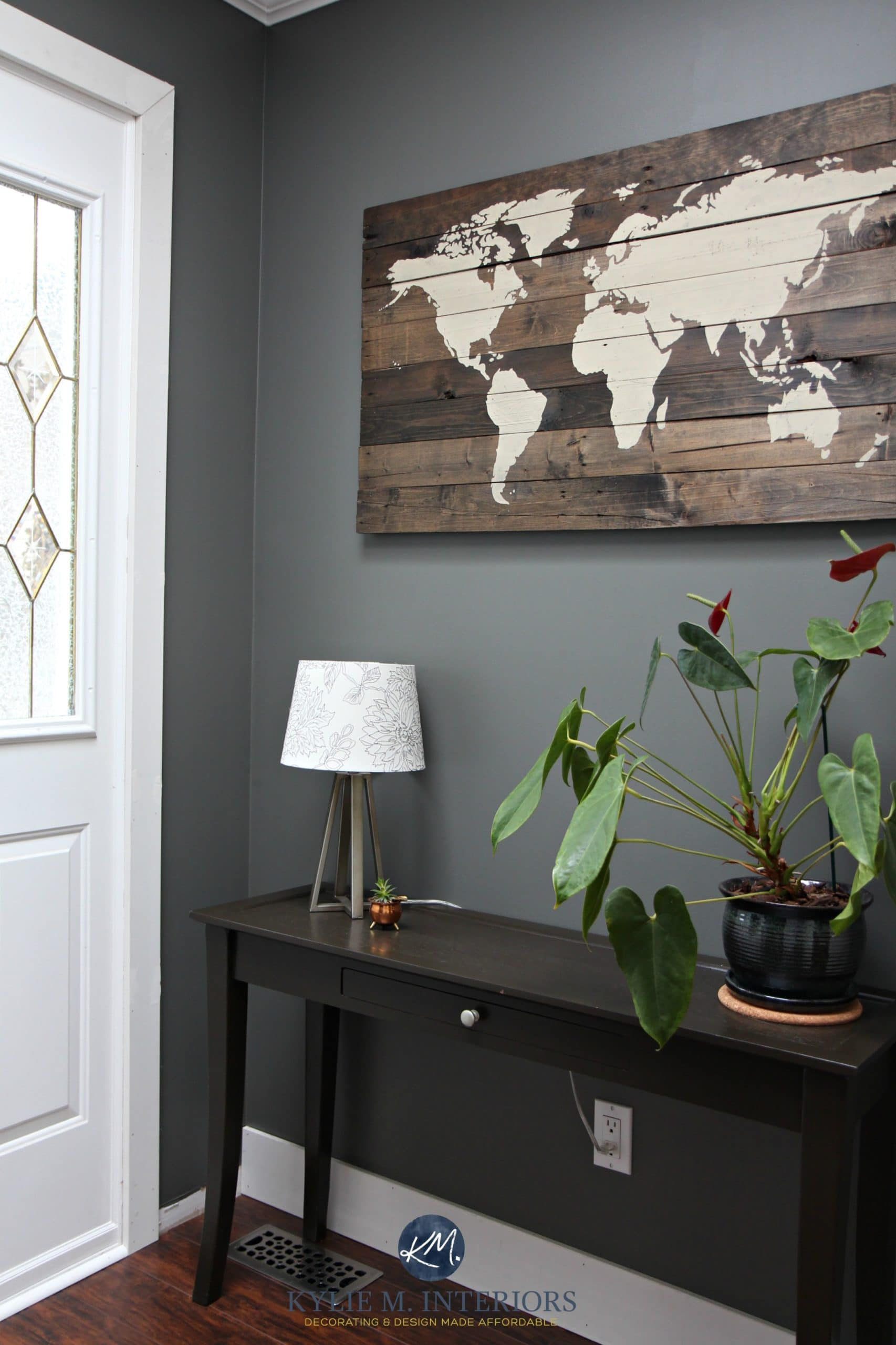 The best dark paint colour for a dark room or basement - Paint colors for a dark living room ...