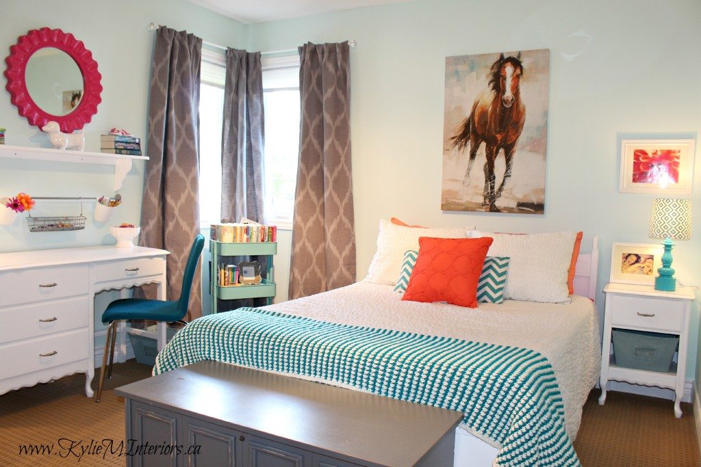 Young Girls Tween Bedroom Decorating Ideas Using Icy Moon Drops By Benjamin Moore Light Blue And