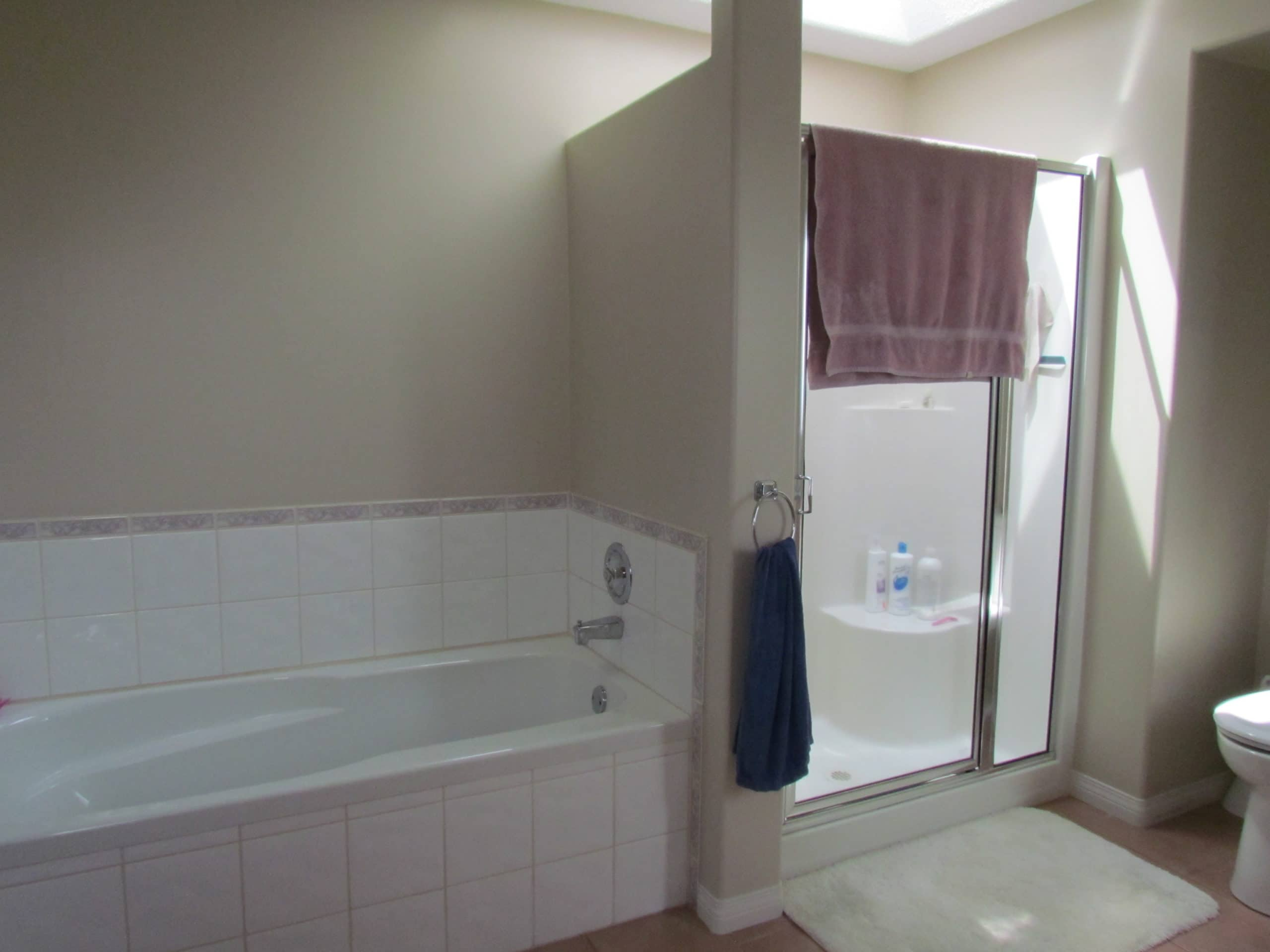 budget friendly tips and ideas for home staging bathroom