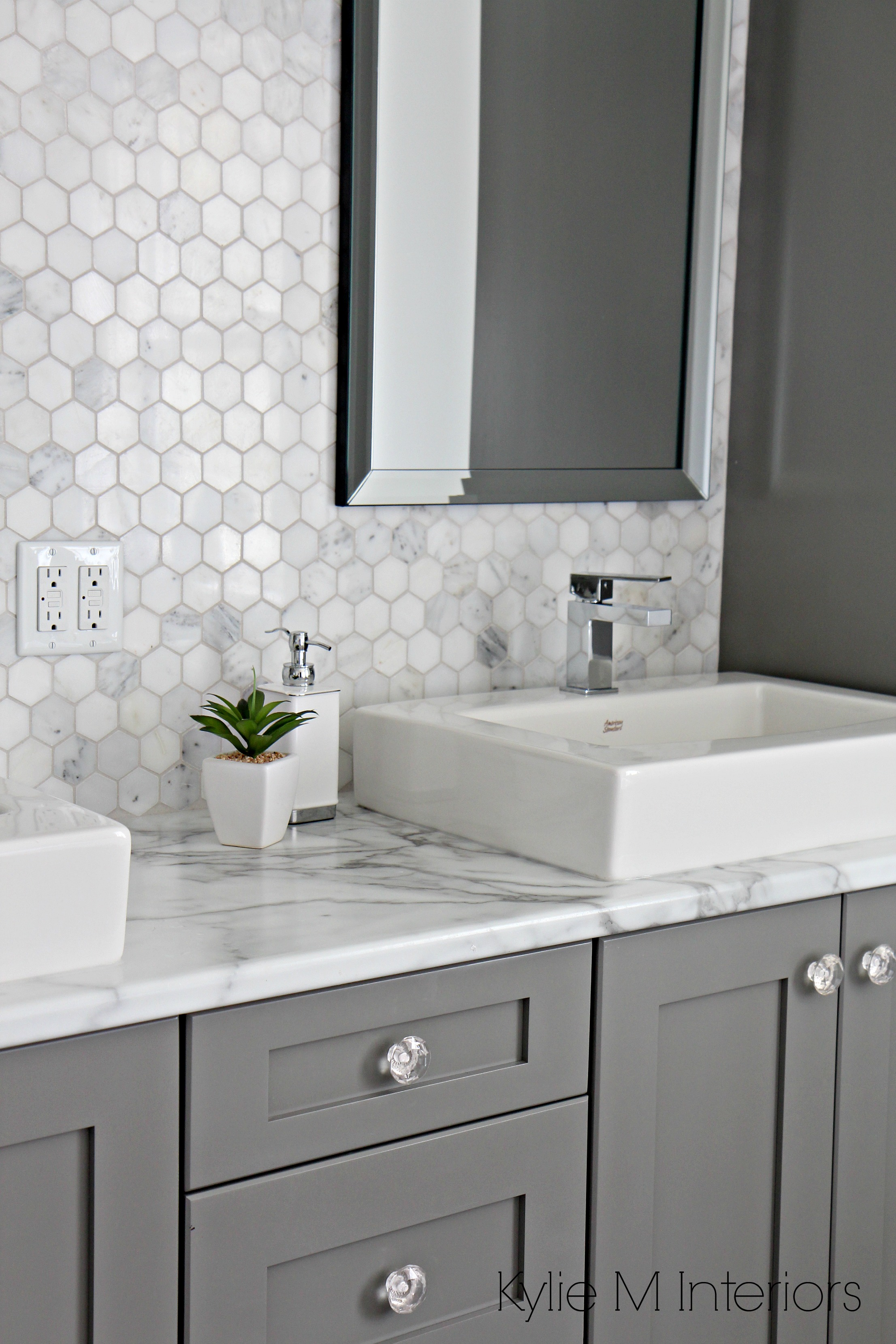 Formica 180fx Calacatta Marble Laminate Countertop Hexagon Mosaic Marble Backsplash And Chelse