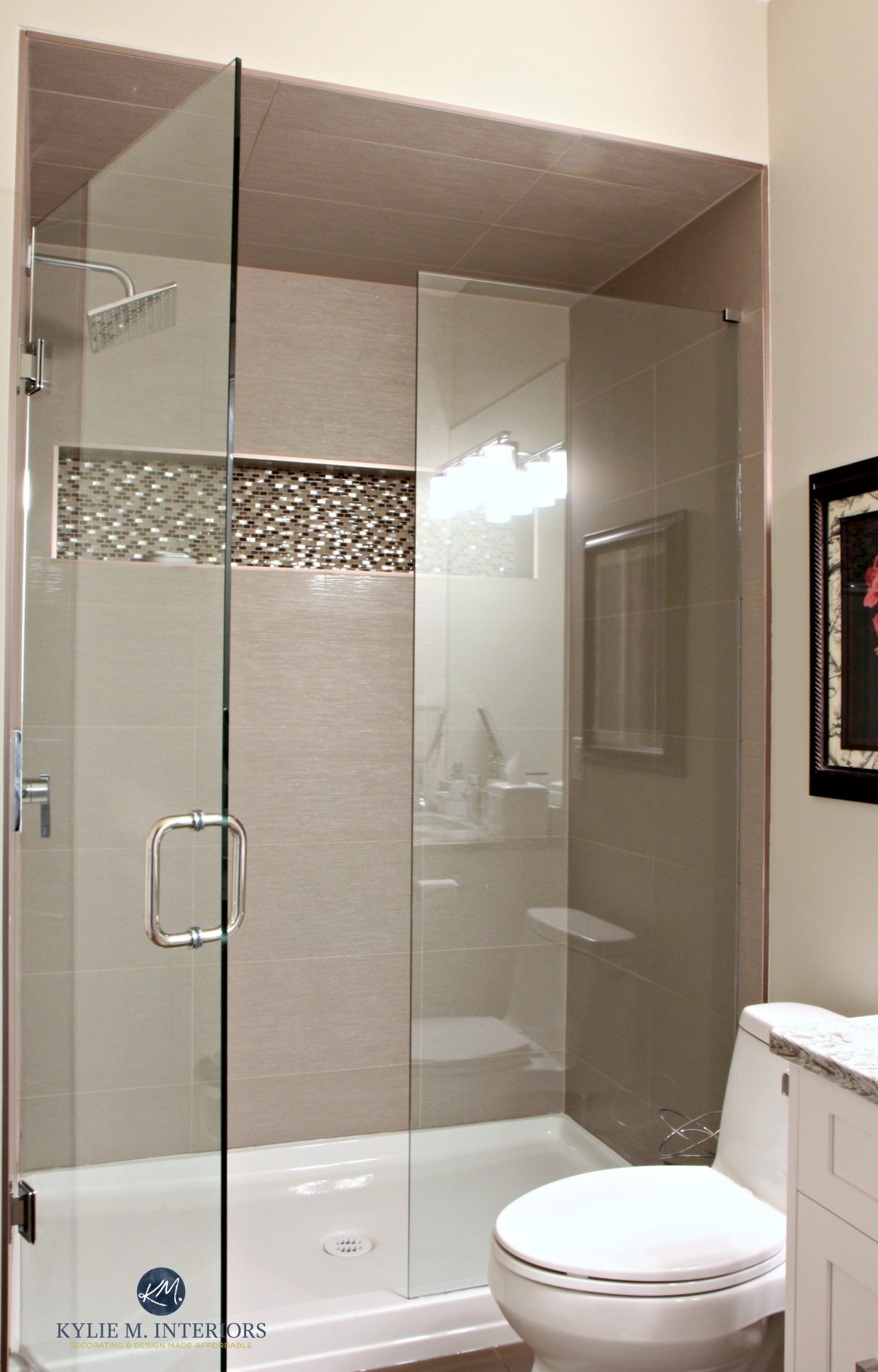 Generous fibreglass shower base contemporary bathroom for Main bathroom remodel ideas