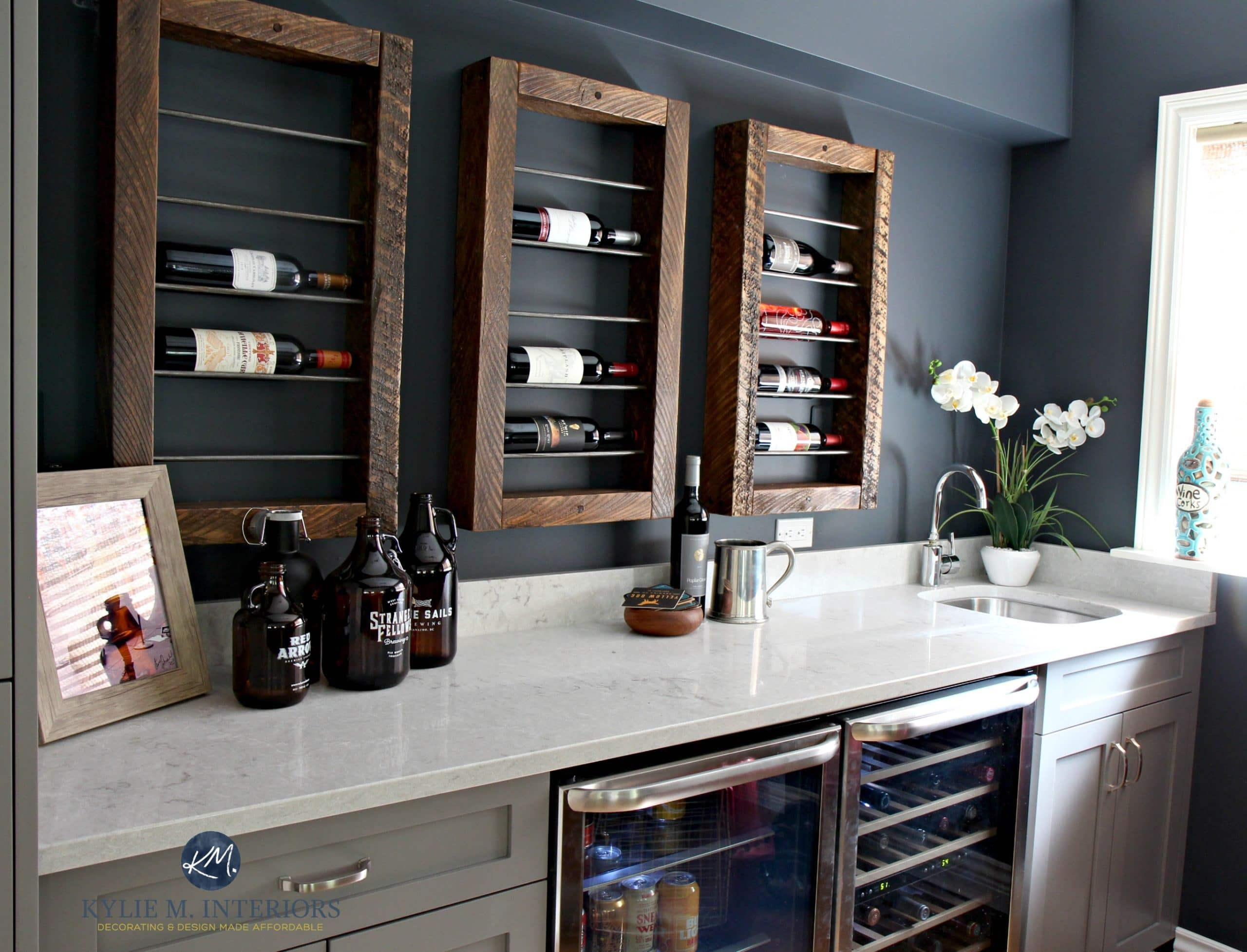 Home bar with wine display and storage, beer and wine fridge. Bianco ...