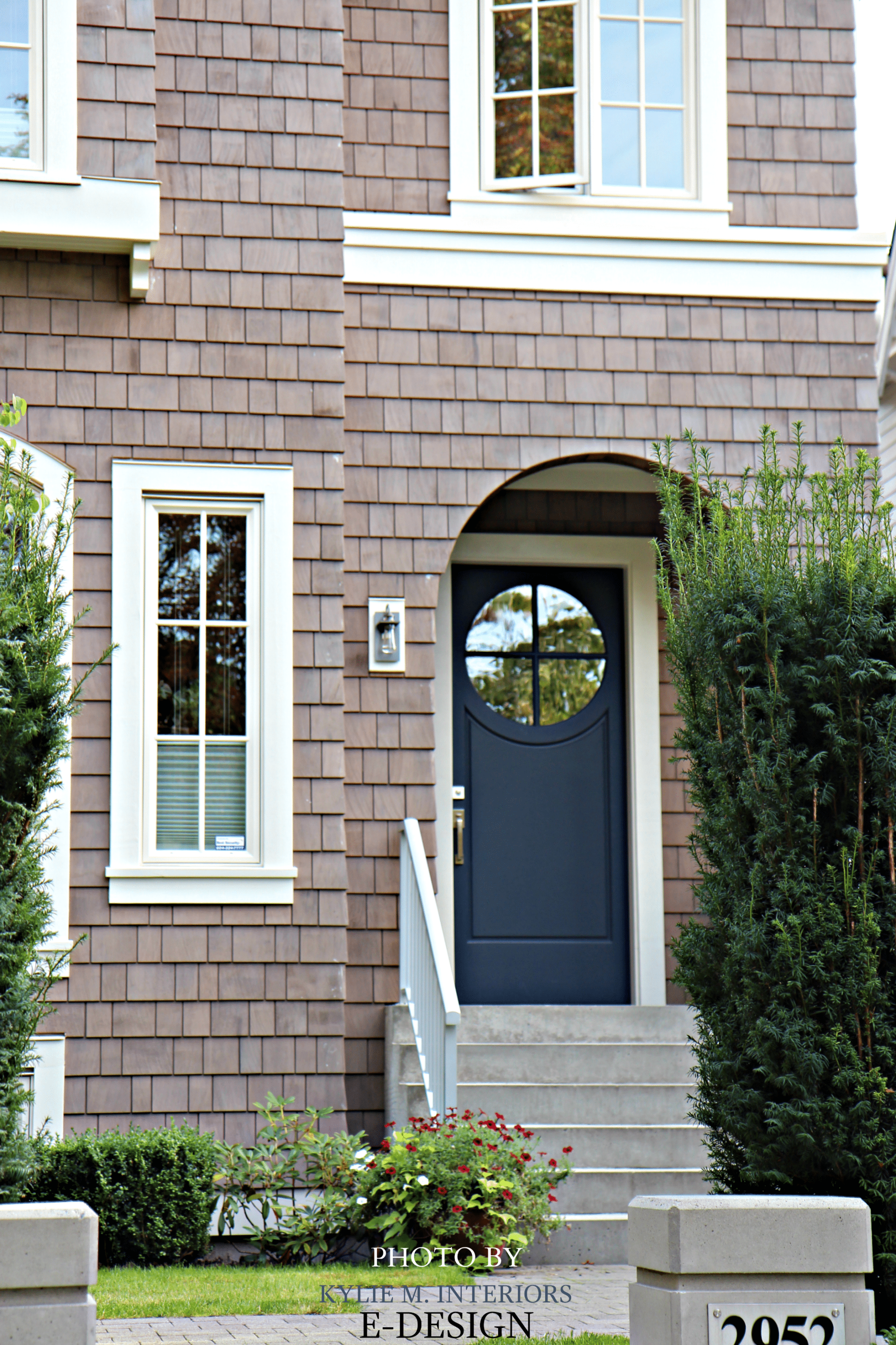 Front door similar to benjamin moore hale navy with pink Front door paint benjamin moore
