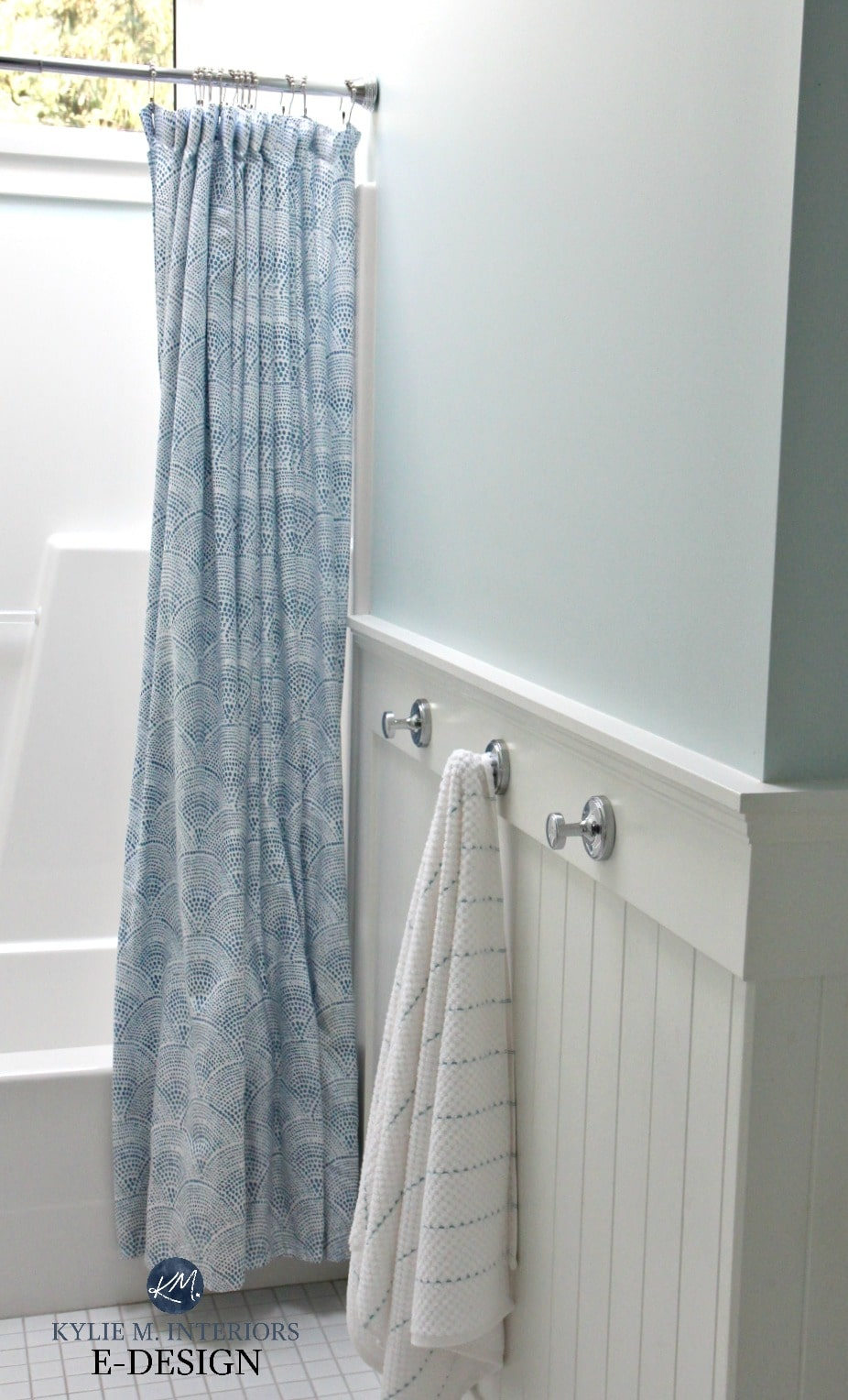 Benjamin Moore Ocean Air, best blue paint colour. Bathroom with ...