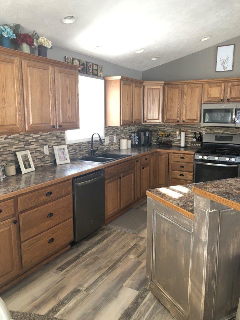 Oak kitchen before being updated (2)