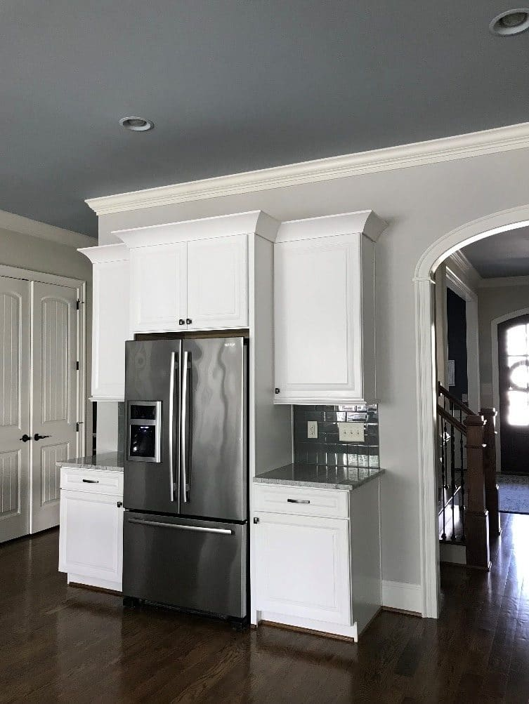 Silver gray ceiling, Collingwood walls, white cabinets and Dover White trim