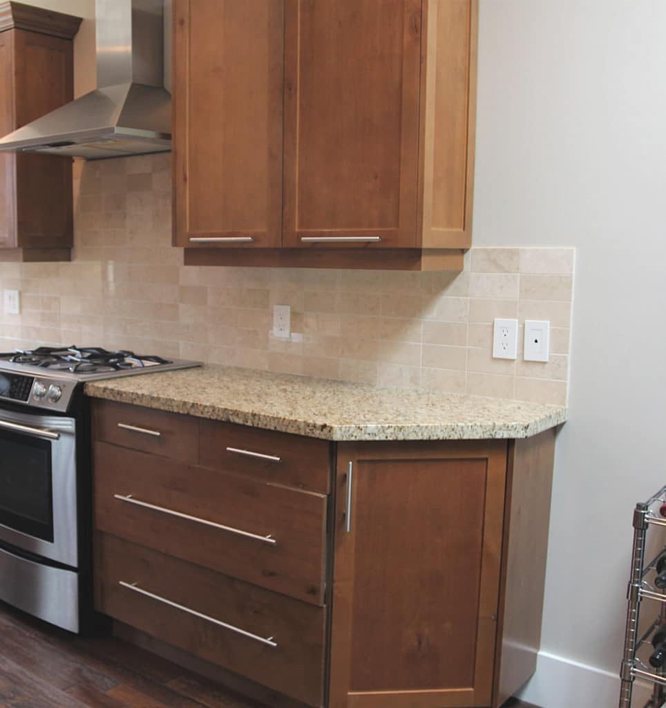 ideas to update Venetian Gold or Saint Cecilia granite, this doesn't look good